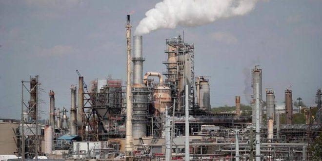 انخفاض أسعار النفط في الأسواق العالمية على خلفية فشل المفاوضات التجارية بين واشنطن وبكين